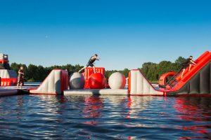 Wakeinn-pripuciamu-vandens-atrakcionu-ant-vandens-parkas-vilniuje-47